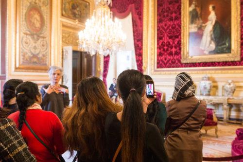 Visite d'un groupe du champ social au Louvre.jpg