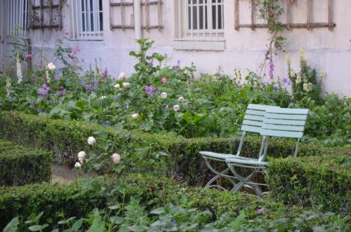Dans le jardin de Delacroix © 2015 Musée Delacroix – Albane Fabre.JPG