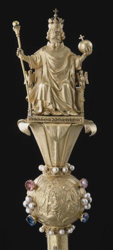 10_SceptreCharlesV © RMN-GP (musée du Louvre)  Jean-Gilles Berizzi.jpg