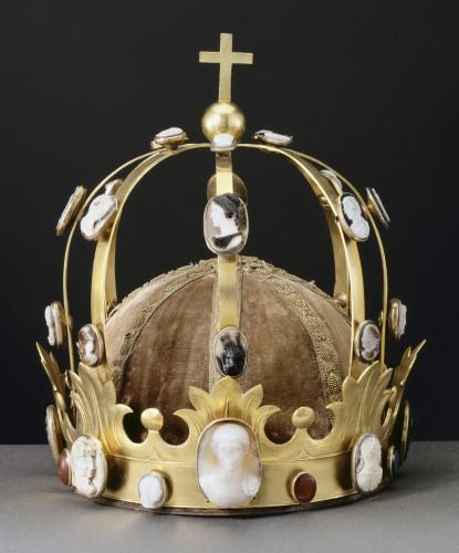 9_Couronne dite de Charlemagne © RMN-Grand Palais (musée du Louvre) Jean-Gilles Berizzi.jpg