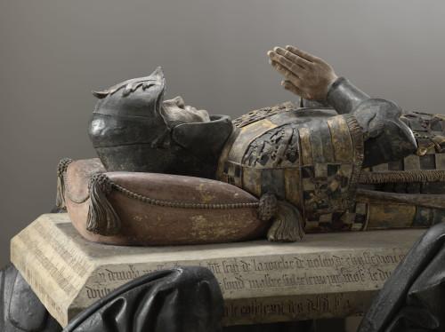 3. Tombeau de Philippe Pot AVANT RESTAURATION detail gisant-jpg