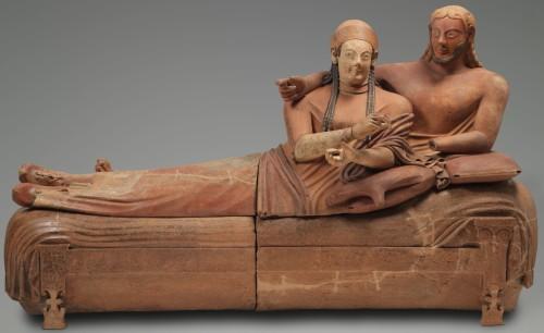 6. Sarcophage, dit Sarcophage des époux. Cerveteri (nécropole de Banditaccia), vers 520 - 510 av. J.-C.  © Musée du Louvre l Philippe Fuzeau