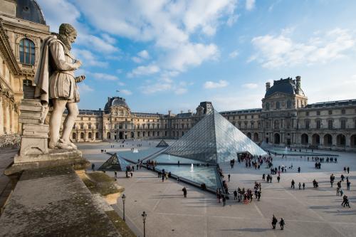Vue de la pyramide © Musée du Louvre dist- RMN – Grand Palais / Olivier Ouadah