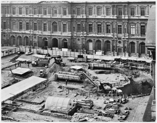 9- Vue des fouilles entreprises Cour Carrée © Musée du Louvre (fonds EPGL)-jpg