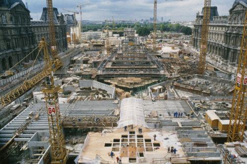 14- Le chantier de la Pyramide, vu du Pavillon de l'Horloge, juin 1987 © Musée du Louvre (fonds EPGL)  -Patrice Astier-jpg