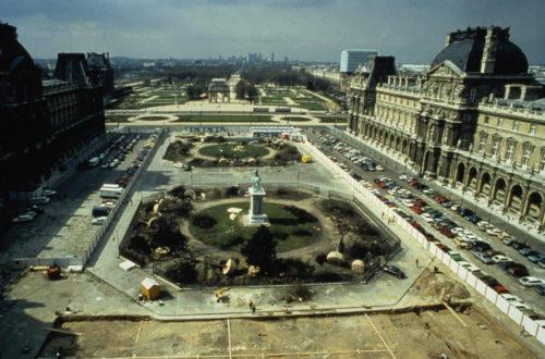 5- Cour Napoléon avant travaux 1984 © Musée du Louvre (fonds EPGL)-jpg