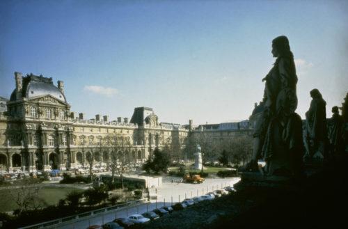 6- Cour Napoléon avant travaux 1984 © Musée du Louvre (fonds EPGL)-jpg