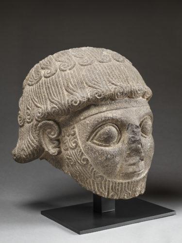 7-Tete colossale de Katuwas souverain de Karkemish  Musee du Louvre-jpg