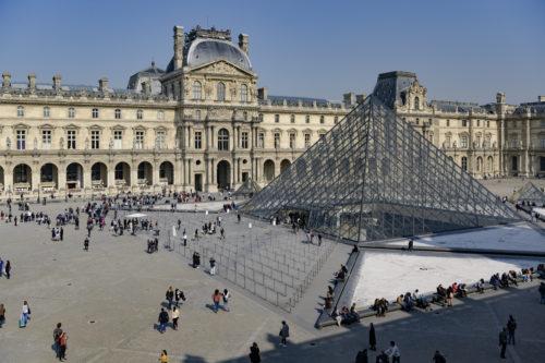 Architecte de la Pyramide © I.M. Pei ;  Cliché © Musée du Louvre / Olivier Ouadah