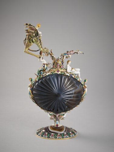 20. Travail de la pierre probablement antique ; Pierre Delabarre, Aiguière en sardonyx © Musée du Louvre (dist. RmnGP) / Thierry Ollivier-jpg