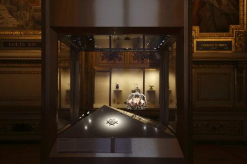 3. Vitrine des joyaux de la Couronne de France (1530- 1789), galerie d'Apollon © 2020 Musée du Louvre / Antoine Mongodin -jpg