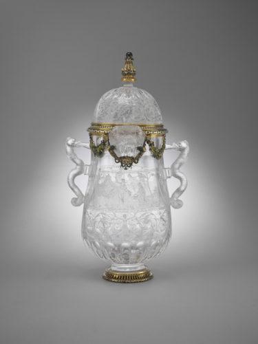 14. Vase en cristal de roche gravé : Suzanne et les vieillards et Judith et Holopherne © Musée du Louvre (dist. RmnGP) / Thierry Ollivier-jpg