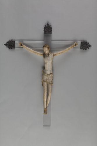Christ Ecole hispano-philippine sud de la Chine vers 1600Don Marc Fumaroli  Musee du Louvre dist- RMN – Grand Palais  Harry Brejat-jpg