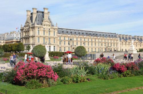 Le Musée des Arts Décoratifs vu du jardin des Tuileries (c) musée du Louvre_Christophe Fouinjpg