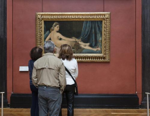 Devant La Grande Odalisque dIngres c 2019 musee du Louvre Nicolas Guiraud-jpg