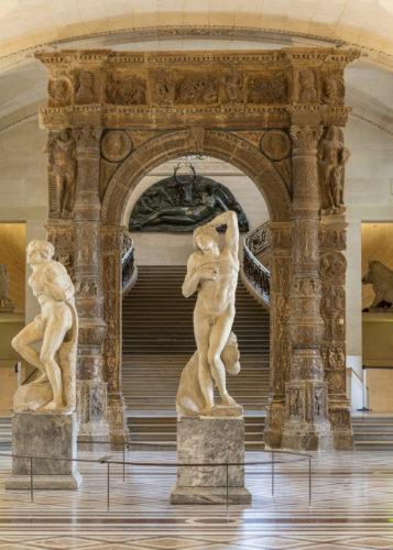 Les Esclaves dans la galerie Michel-Ange (c) 2019 Musee du Louvre Nicolas Guiraud-jpg