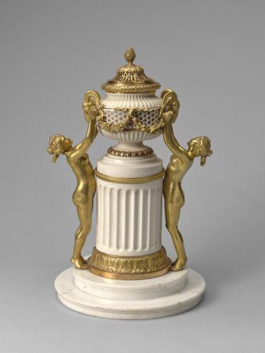 Pierre Gouthière, Pot-pourri de Madame Geoffrin © Musée du Louvre, distr. RMN-GP / Hervé Lewandowski
